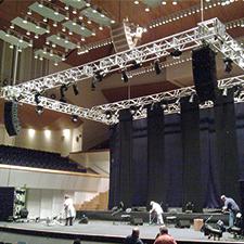 Instalación de escenarios en Valencia